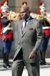 <p>Senegal's President Abdoulaye Wade arrives at the Elysee Palace in Paris, September 10, 2008. REUTERS/Charles Platiau</p>