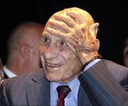 <p>Francisco Varallo, último sobrevivente entre todos os jogadores que disputaram a primeira Copa do Mundo, em 1930, morreu aos 100 anos, informou a mídia argentina. 12/02/2010 REUTERS/Stringer</p>