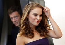 "<p>Actress Natalie Portman arrives to attend a photocall for their movie ""Black Swan"" at the 67th Venice Film Festival September 1, 2010. REUTERS/Tony Gentile</p>"