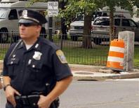 <p>Policial de Boston onde, segundo a mídia, Tom Brady sofreu um acidente de carro. 09/09/2010 REUTERS/Brian Snyder</p>