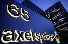 <p>Selon les analystes, l'éditeur allemand Axel Springer devra augmenter son offre ou remporter une bataille boursière s'il veut racheter le groupe d'annonces immobilières SeLoger.com. /Photo d'archives/REUTERS/Hannibal Hanschke</p>