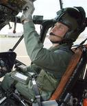 <p>Принц Уильям в вертолете Sea King в Лондоне. Принц Уильям Уэльский станет пилотом поисково-спасательного вертолета ВВС Великобритании после окончания тренировок в эту пятницу. REUTERS/Flight Sergeant Andy Carnall/ MoD/Crown Copyright/Pool</p>