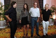 "<p>Actors Javier Bardem (L), Julia Roberts (2nd L), Richard Jenkins (2nd R) and executive producer Ryan Murphy pose during the launch of their movie ""Eat Pray Love"" in Cancun June 29, 2010. REUTERS/Gerardo Garcia</p>"