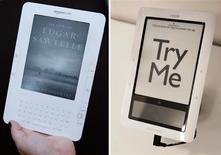<p>Les liseuses électroniques Kindle (à gauche), d'Amazon.com, et Nook, de Barnes & Noble. Selon un sondage de Harris Interactive, les liseuses ont vu leur popularité bondir aux Etats-Unis au cours des dernières années et le phénomène semble durable, même si ces appareils devraient se cantonner à un marché de niche. /Photos d'archives/REUTERS/Mike Segar et Jessica Rinaldi</p>