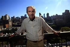 <p>Author Philip Roth poses in New York September 15, 2010. American novelist Roth dislikes e-books and the distracting influences of modern technology, which he feels diminishes the ability to appreciate the beauty and aesthetic experience of reading books on paper. REUTERS/Eric Thayer</p>