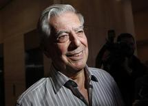<p>Mario Vargas Llosa, winner of the 2010 Nobel Prize for Literature, smiles while speaking to the media in New York October 7, 2010. REUTERS/Shannon Stapleton</p>