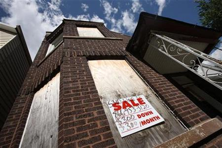 A foreclosed home is shown in Chicago June 29, 2010. REUTERS/John Gress