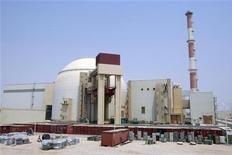 <p>Ядерный реактор на АЭС в Бушере 21 августа 2010 года. Иран начал загружать ядерное топливо в свою первую АЭС в Бушере, сообщило государственное телевидение во вторник. REUTERS/Raheb Homavandi</p>