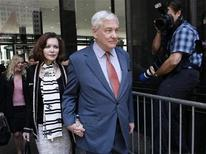 <p>Conrad Black leaves a bail hearing with his wife, Barbara Amiel Black, in Chicago July 23, 2010. REUTERS/John Gress</p>