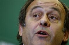 <p>Presidente da UEFA, Michel Platini, alertou que jogadores que se envolvem em manipulação de resultados estão colocando suas carreiras em risco. REUTERS/Stoyan Nenov</p>