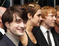 "<p>Daniel Radcliffe (esq), Emma Watson e Rupert Grint (dir) na estreia de ""Harry Potter e as Relíquias da Morte: Parte 1"". 15/11/2010 REUTERS/Shannon Stapleton</p>"