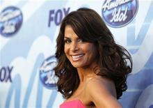 """<p>Paula Abdul antes da final da 9a temporada de """"American Idol"""" em Los Angeles, em maio. A ex-jurada do """"American Idol"""" irá lançar o site caça-talentos AuditionBooth para colocar futuros astros em contato com diretores de casting. 26/05/2010 REUTERS/Mario Anzuoni/Arquivo</p>"""