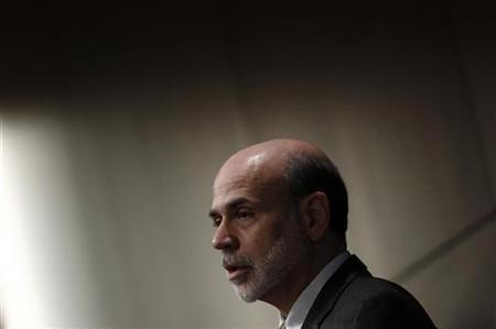 U.S. Chairman of the Federal Reserve Ben Bernanke delivers opening remarks at a Federal Reserve System symposium on ''Mortgage and the Future of Housing Finance'' in Arlington, Virginia, October 25, 2010. REUTERS/Jim Young