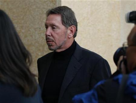 Oracle CEO Larry Ellison enters U.S. District Court in Oakland, California November 8, 2010. REUTERS/Robert Galbraith