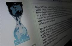 <p>Страница Wikileaks.org на компьютере в Нью-Джерси 28 ноября 2010 года. Американская интернет-компания, управлявшая хостингом WikiLeaks, на несколько часов отключила доступ к веб-сайту в ночь с четверга на пятницу. REUTERS/Gary Hershorn</p>