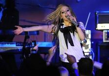 <p>Avril Lavigne performs at the 17th annual Race to Erase MS benefit in Los Angeles May 7, 2010. REUTERS/Phil McCarten</p>