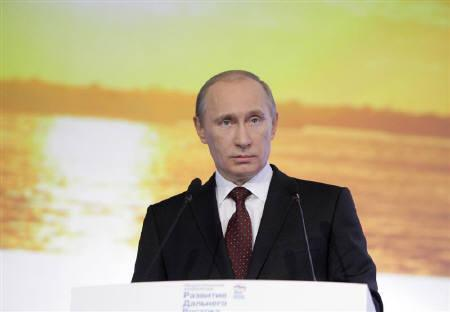 Russia's Prime Minister Vladimir Putin delivers a speech during a regional conference of his ruling party United Russia in the far eastern city of Khabarovsk, December 6, 2010.  REUTERS/Alexsey Druginyn/RIA Novosti/Pool