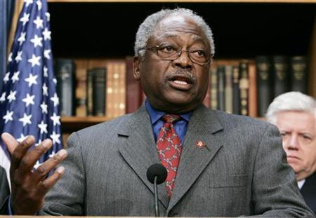 Representative James Clyburn (D-SC) discusses the House Democrats 100 Hours Agenda on Capitol Hill in Washington January 10, 2007. REUTERS/Larry Downing