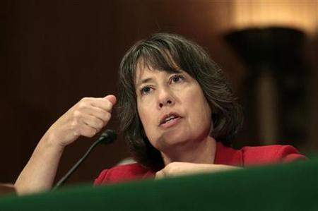 Federal Deposit Insurance Corp (FDIC) Chairman Sheila Bair testifies at a Financial Crisis Inquiry Commission hearing on ''Too Big to Fail: Expectations and Impact of Extraordinary Government Intervention and the role of Systemic Risk in the Financial Crisis,'' on Capitol Hill in Washington September 2, 2010. REUTERS/Molly Riley