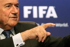 <p>Copa do Mundo é mais que apenas chutar uma bola, disse o presidente Joseph Blatter. REUTERS/Arnd Wiegmann</p>