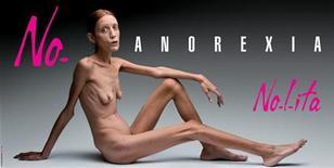 <p>Campanha publicitária de Isabelle Caro, fotografada por Oliviero Toscani, é vista em foto de divulgação sem data. REUTERS/Flash&Partners</p>