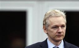<p>El fundador de WikiLeaks, Julian Assange, en la corte de Belmarsh en Londres. ene 11 2011. El fundador de WikiLeaks, Julian Assange, hizo una breve aparición en una corte de Londres el martes y regresará el mes próximo para una audiencia por el intento de extradición de Suecia para interrogarlo por supuestos delitos sexuales. REUTERS/Andrew Winning</p>