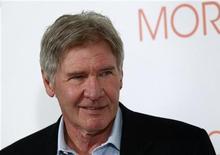 """<p>Harrison Ford durante apresentação de seu filme """"Uma Manhã Gloriosa"""" em Madri. O ator assegurou na quinta-feira que não costuma escolher seus papéis por dinheiro, como faz o personagem do filme. 13/01/2011 REUTERS/Andrea Comas</p>"""