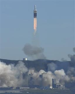 A Delta IV Heavy Launch Vehicle launches from Space Launch Complex-6 from Vandenberg Air Force Base, January 20. REUTERS/Chris Ghormley/US Air Force
