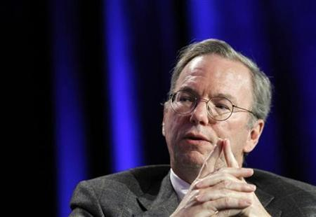 Google CEO Eric Schmidt speaks during the Web 2.0 Summit in San Francisco, California November 15, 2010. REUTERS/Robert Galbraith