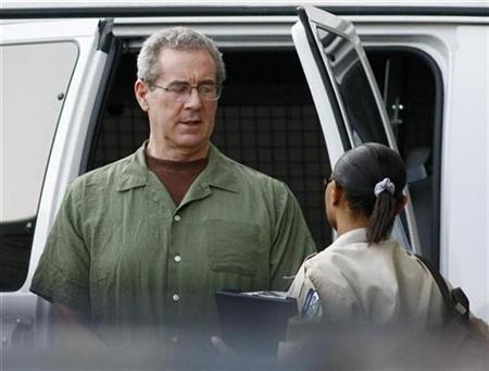 Allen Stanford arrives at federal court for a hearing before U.S. District Judge Nancy Atlas in Houston August 24, 2010. REUTERS/Richard Carson