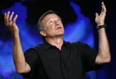 <p>Robin Williams gestures during a panel discussion in Pasadena, July 30, 2009. REUTERS/Mario Anzuoni</p>
