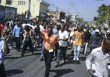<p>Haitians march in the streets protesting against the government in Port-au-Prince February 7, 2011. REUTERS/St-Felix Evens</p>