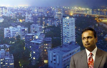 Reliance Communications' Chairman Anil Ambani attends a news conference in Mumbai July 16, 2007. REUTERS/Punit Paranjpe/Files