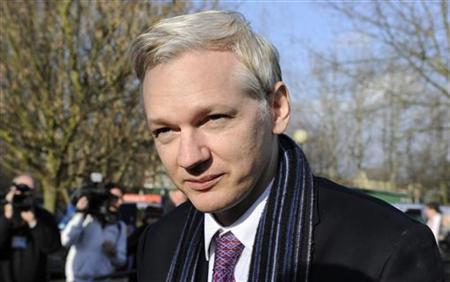 WikiLeaks founder Julian Assange speaks after his extradition hearing at Belmarsh Magistrates' Court in London February 11, 2011. REUTERS/Paul Hackett