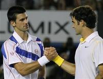 <p>Tanto Djokovic quanto Federer foram classificados para as semifinais do Torneio de Tênis de Dubai. 27/01/2011 REUTERS/Yuriko Nakao</p>