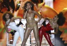 <p>U.S. singer Beyonce performs during a concert in the Queen's Park Savannah in Port of Spain February 18, 2010. REUTERS/Andrea De Silva</p>