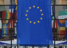 """<p>La France va être traduite devant la cour de justice de l'UE par la Commission européenne au sujet de la """"taxe télécoms"""" qu'elle prélève pour compenser l'arrêt de la publicité sur les chaînes de télévision publique. /Photo d'archives/REUTERS/Yves Herman</p>"""
