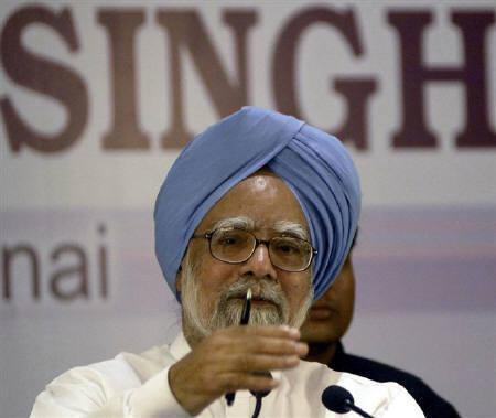 Prime Minister Manmohan Singh speaks during a news conference in Chennai May 9, 2009. REUTERS/Babu/Files