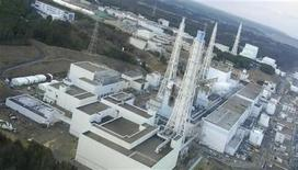 <p>An aerial view taken from a helicopter from Japan's Self-Defence Force shows damage sustained to the reactors at the Fukushima Daiichi nuclear power complex in this handout taken March 16, 2011 and released March 17, 2011. REUTERS/Tokyo Electric Power (TEPCO)/Handout</p>