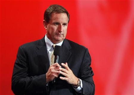 Oracle co-president Mark Hurd speaks to the audience at Oracle Open World in San Francisco, California September 22, 2010. REUTERS/Robert Galbraith