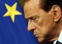 <p>Foto de archivo del primer ministro italiano, Silvio Berlusconi, durante una reunión en Roma, mar 14 2011. La fallecida madre del primer ministro italiano, Silvio Berlusconi, se dio cuenta pronto de que su hijo estaba destinado a grandes cosas, pero se equivocó al predecir que nunca iría con mujeres. REUTERS/Alessandro Bianchi</p>