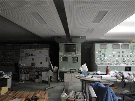 Das von Tokyo Electric Power Co. am 22. März 2011 veröffentlichte Bild zeigt den verlassenen Kontrollraum von Reaktor 3 und 4 des Atomkraftswerks Fukushima Daiichi in Tomioka im Nordosten Japans. REUTERS/Tokyo Electric Power Co.