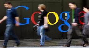 <p>Imagen de archivo del logo de Google en la sede de la empresa en Zurich. mar 9 2011. Google se unirá a Citigroup y a Mastercard para implementar un sistema de pago móvil que convertirá a los teléfonos que usan el software Android en una especie de billetera electrónica, publicó el Wall Street Journal, citando a fuentes familiarizadas con el asunto. REUTERS/Arnd Wiegmann</p>