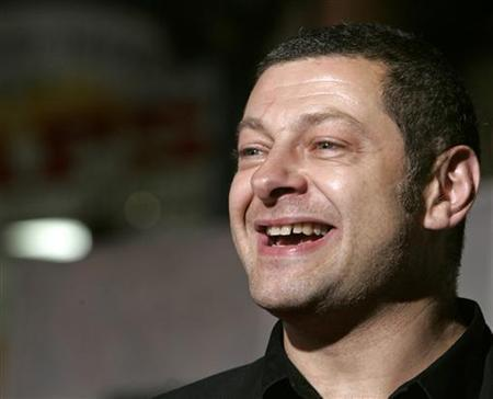 Actor Andy Serkis, star of the new film 'The Prestige' about two rival magicians, poses at the film's premiere in Hollywood, California October 17, 2006. REUTERS/Fred Prouser