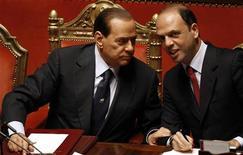 <p>Il premier Silvio Berlusconi e il Guardasigilli Angelino Alfano. REUTERS/Alessandro Bianchi</p>