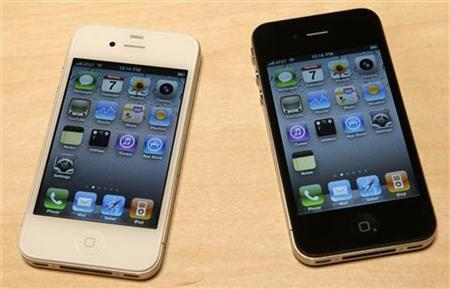 Apple suppliers begin making white iPhones: sources