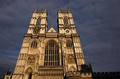 <p>Afternoon sun illuminates Westminster Abbey in London April 15, 2011. REUTERS/Luke MacGregor</p>