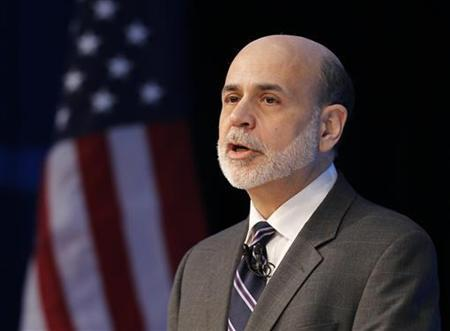 U.S. Federal Reserve Chairman Ben Bernanke addresses the Independent Community Bankers of America's (ICBA) 2011 National Convention in San Diego, California March 23, 2011. REUTERS/Mike Blake