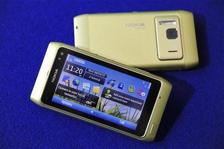 The Nokia N8 smartphone is displayed in Espoo, September 8, 2010. REUTERS/LEHTIKUVA/Heikki Saukkomaa