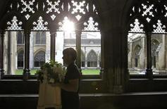 <p>A florist delivers flowers to Westminster Abbey, in London April 27, 2011. Final preparations were being made for the wedding between Britain's Prince William and Kate Middleton at Westminster Abbey on April 29. REUTERS/Sang Tan/Pool</p>